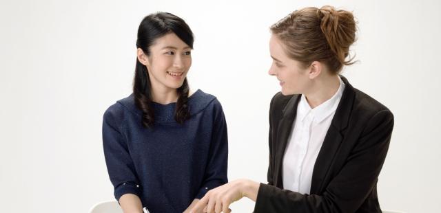 外国人と話すのが上達のコツ。自動翻訳機でもいいから話すことが大事なんですよ。