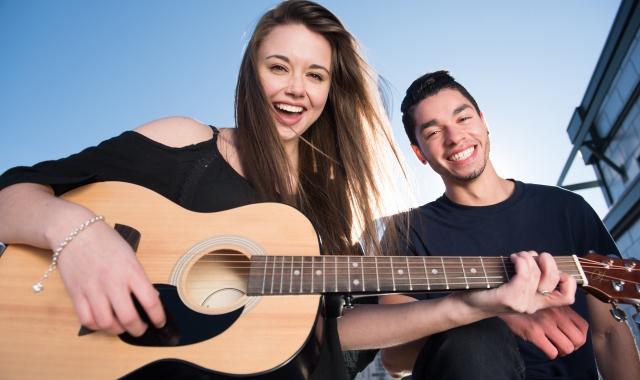 世界中の音楽の愛好家が中古の楽器を探しているって知ってた?