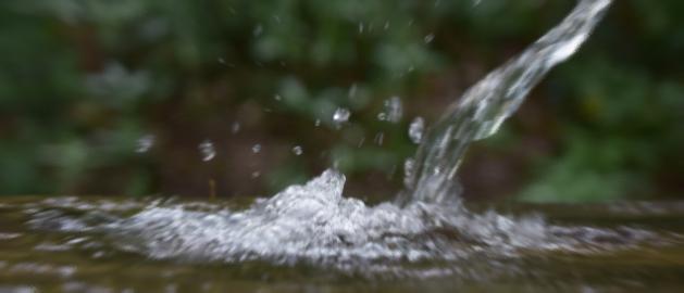 天然水は身体に良いものがいっぱい入っている。