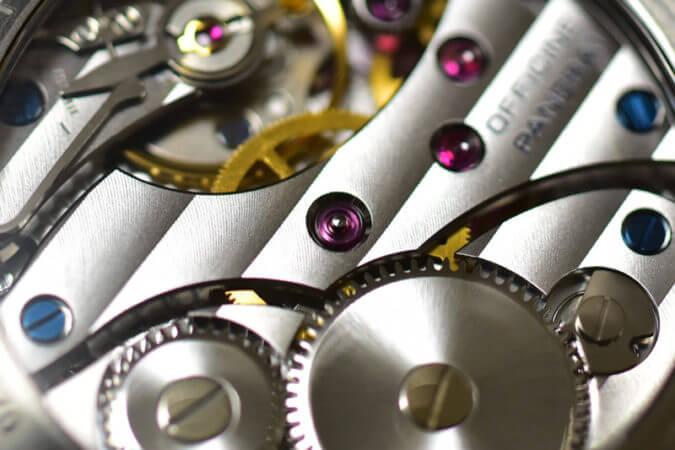 機械式腕時計のムーブメント