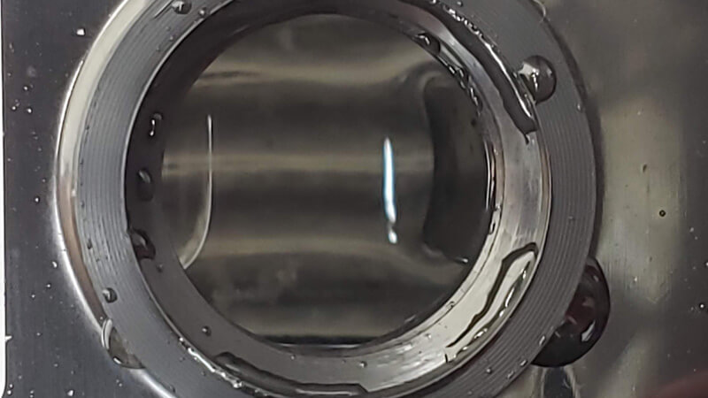 バッテリー液の量と電極の状態